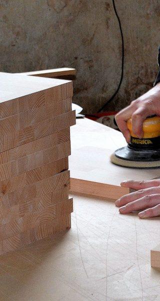 carpenter-3280952